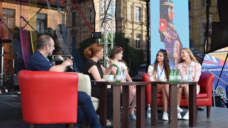 """Czwartkowa """"Kawka z gwiazdami"""" podczas INO POP Festiwal"""