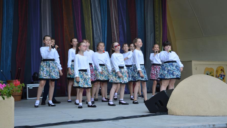 Całość wydarzenia, jak to na miarę fantazji przystało – ubarwiły występy muzyczne i taneczne sekcji z Kujawskiego Centrum Kultury.