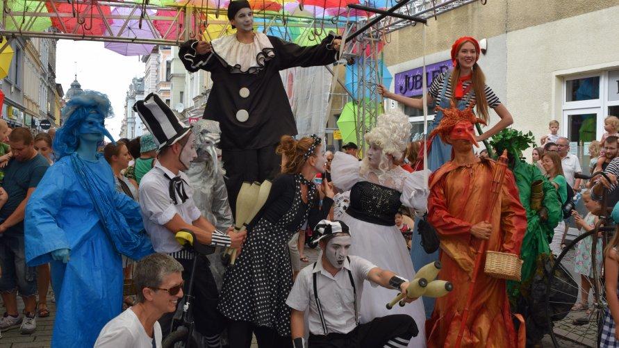 Kolorowy festiwal na inowrocławskim Rynku